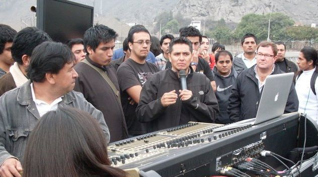Oscar-Barrientos-Mixer-DIGICO